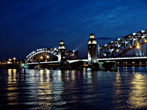 Фотография достопримечательности. Мост Петра Великого в Санкт-Петербурге