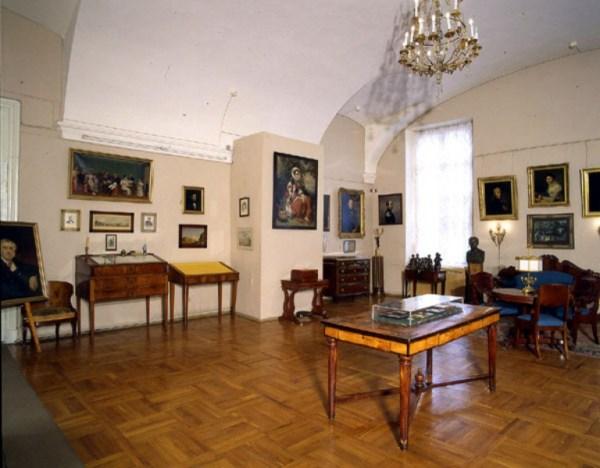 Фотография достопримечательности. Пушкинский дом в Санкт-Петербурге