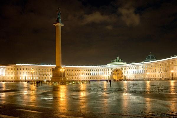 Фотография достопримечательности. Дворцовая площадь в Санкт-Петербурге