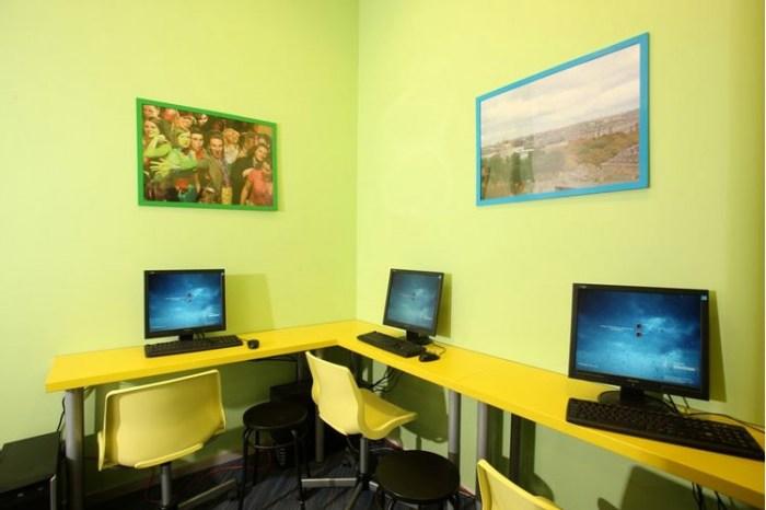 Компьютеры для гостей в Еврохостелспб на Невском.