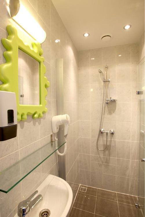 Ванная комната в ЕвроХостел Спб на Невском проспекте в Петерубрге