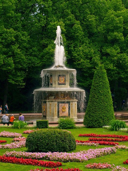 Фотография достопримечательности. Петергоф в Санкт-Петербурге