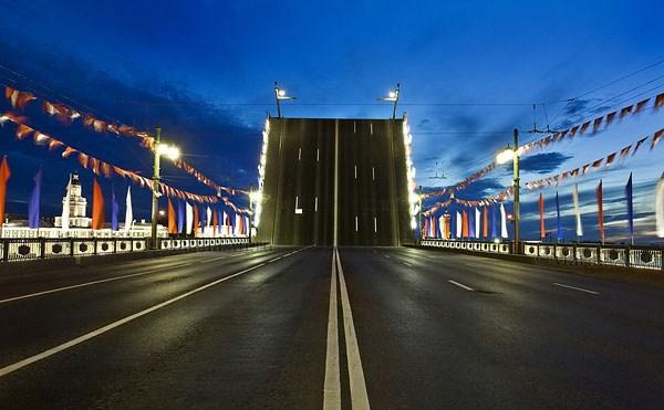 Фотография достопримечательности. Дворцовый мост в Санкт-Петербурге