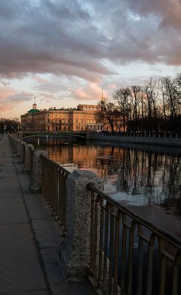 Фотография достопримечательности. Михайловский замок в Санкт-Петербурге