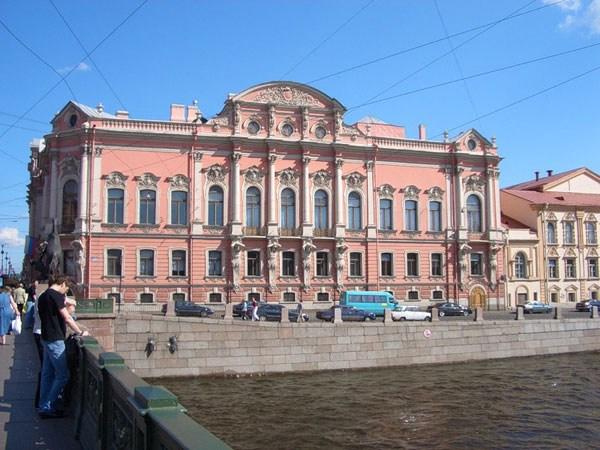 Фотография достопримечательности Дворец Белосельских-Белозерских