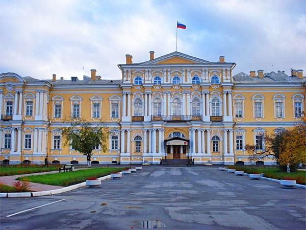 Фотография достопримечательности. Суворовское училище в Санкт-Петербурге