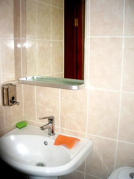 Ванная комната в хостеле СПБКиУ, Санкт-Петербург