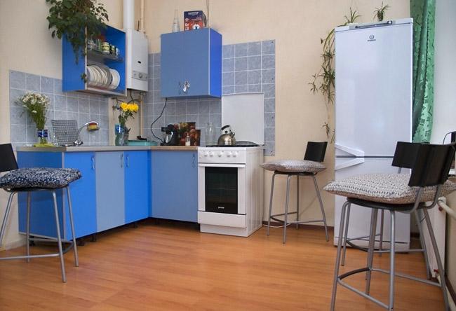 Кухня в хостеле Альфа