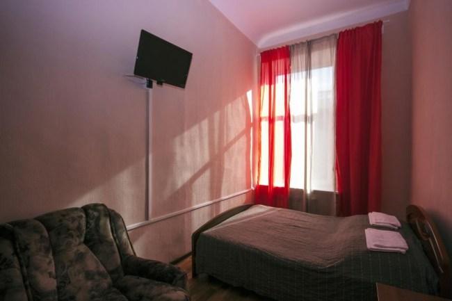 Четырехместный номер в хостеле На Мучном в Санкт-Петербурге