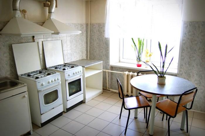 Кухня в хостеле Питер. Санкт-Петербург