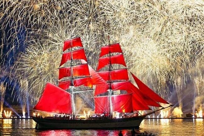 Фотография новости Самый романтический праздник лета - Алые Паруса 2015